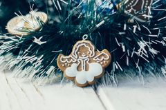 Игрушка ангела рождества на сосне как украшение рождества Стоковое Изображение