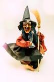 Игрушка ведьмы для детей мальчика и девушки забавляется Стоковое Изображение RF