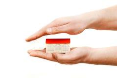 игрушка дома рук стоковое изображение rf