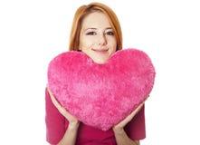 игрушка красного цвета сердца красивейшей девушки с волосами Стоковое Изображение RF