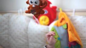 Игрушка младенца для сини младенца акции видеоматериалы