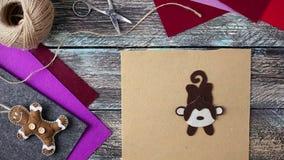 Игрушка обезьяны Нового Года от символа войлока 2016 видеоматериал