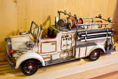 игрушка пожара двигателя старая стоковое фото rf
