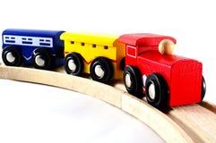 игрушка рельса паровозов автомобилей Стоковые Изображения