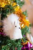 Игрушка рождества белки на дереве Стоковое Фото