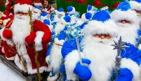 Игрушка Санта Клауса в супермаркете Стоковые Фото