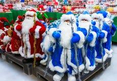 Игрушка Санта Клауса в супермаркете Стоковая Фотография RF