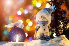 Игрушка снеговика с свечой Стоковое Изображение RF