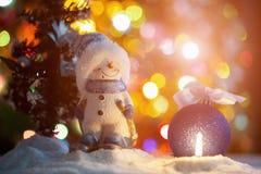 Игрушка снеговика с свечой Стоковые Фотографии RF