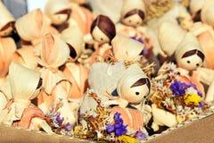 Куклы соломы Игрушка, сувенир Чудесные маленькие европейские куклы стоковое изображение