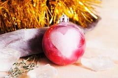 Игрушка с влюбленностью, сердце рождества, счастье, утеха Стоковая Фотография