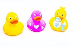 Игрушка уток младенца резиновая для ванны Стоковое Изображение