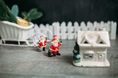игрушка claus santa звезды абстрактной картины конструкции украшения рождества предпосылки темной красные белые Стоковая Фотография RF