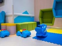 Игрушки гиппопотама и животного, сделанные из пластмассы, крытое красочное Стоковая Фотография