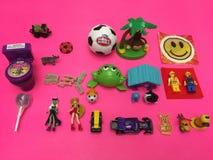 Игрушки и помадки детей ретро стоковое изображение rf