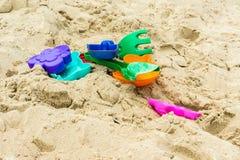 Игрушки, который нужно сыграть с песком Стоковые Изображения RF