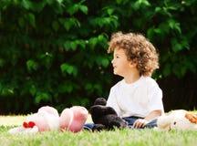 игрушки мальчика малые стоковые фотографии rf
