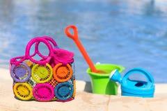 Игрушки на бассейне стоковые фото