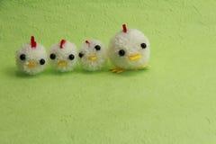 Игрушки, Новый Год и цыпленок пряжи Стоковые Фотографии RF