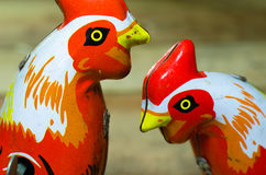 Игрушки олова цыпленка стоковая фотография