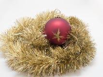 Игрушки праздника Нового Года рождества над белой предпосылкой Стоковое Фото