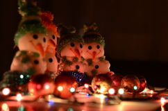 игрушки сфер рождества предпосылки изолированные стеклом белые снеговики Стоковые Фотографии RF