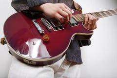 игры гитариста Стоковое Изображение