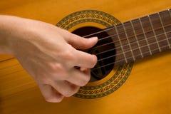 игры музыканта аппаратуры гитариста музыкальные Стоковое Изображение