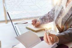 Идеи во время подготовки бизнес-плана Стоковые Фото