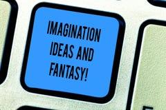 Идеи и фантазия воображения текста почерка Концепция знача клавишу на клавиатуре творческой мысли творческих способностей вдохнов стоковая фотография