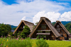идет мир shirakawa наследия Стоковое Изображение
