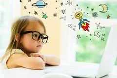 Идея Ракета с маленькой девочкой стоковое фото rf