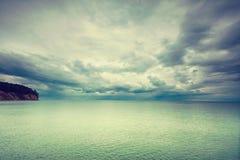 Идилличная съемка горизонтальных морской воды и неба Стоковая Фотография RF
