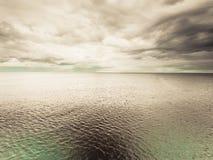 Идилличная съемка горизонтальных морской воды и неба Стоковое фото RF