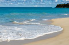 Идилличное после полудня на пляже в Барбадос Стоковое Фото