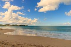 Идилличное после полудня на пляже в Барбадос Стоковое Изображение