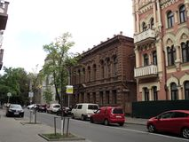 Идите вокруг города взгляда Киева старого здания Стоковые Изображения