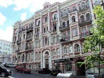 идите вокруг города взгляда kyiv старых красивых зданий Стоковая Фотография RF