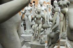 Идолы глины богини Saraswati в буераках стоковые изображения
