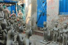 Идолы глины богини Saraswati в буераках стоковое фото