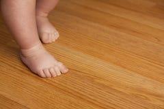 Идти маленького ребенка Стоковое Фото