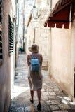 Идти через хорватские улицы стоковое изображение