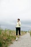 идущая sporty женщина стоковые изображения
