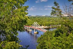 Идя мост в Киеве Стоковое фото RF