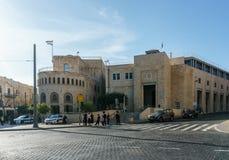 ИЕРУСАЛИМ, ИЗРАИЛЬ - 2-ое апреля 2018: Взгляд улицы в центре города Иерусалима стоковые изображения rf