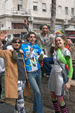 ИЕРУСАЛИМ, ИЗРАИЛЬ - 15-ОЕ МАРТА 2006: Масленица Purim Группа людей празднует фестиваль Стоковое Фото