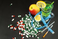 диетпитание принципиальной схемы Обработка тучности диетпитание строгое Плодоовощи как еда диеты Стоковое Фото