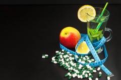 диетпитание принципиальной схемы Обработка тучности диетпитание строгое Плодоовощи как еда диеты Стоковые Фото