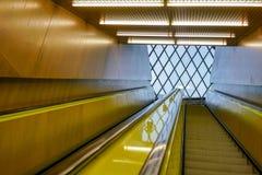 Избежание от публичной библиотеки лифт-скамьи стоковая фотография rf