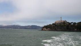 Избежание от Alcatraz видеоматериал